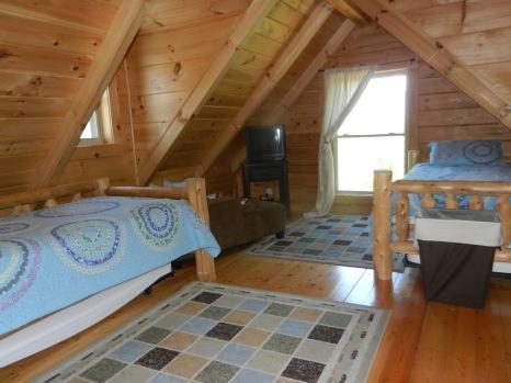 Loft bedroom - 4 twins